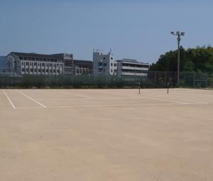 成美高等学校テニスコートライン設置