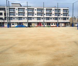 京都市立凌風小中学校グラウンド